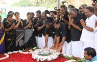 ஜெயலலிதா நினைவிடத்தில் முதல்வர், துணை முதல்வர் அஞ்சலி